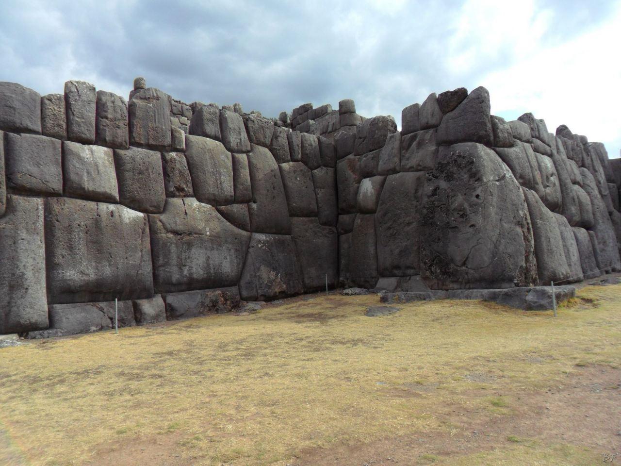 Sacsayhuamán-Mura-Megalitiche-Poligonali-Cusco-Peru-30