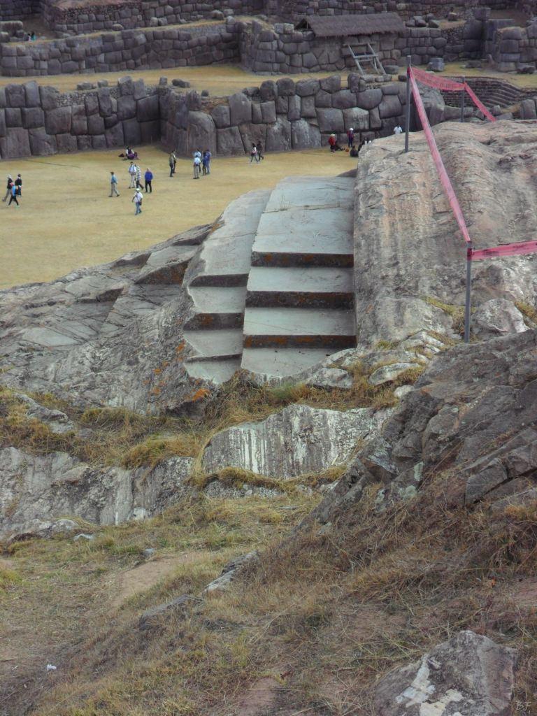 Sacsayhuamán-Mura-Megalitiche-Poligonali-Cusco-Peru-36