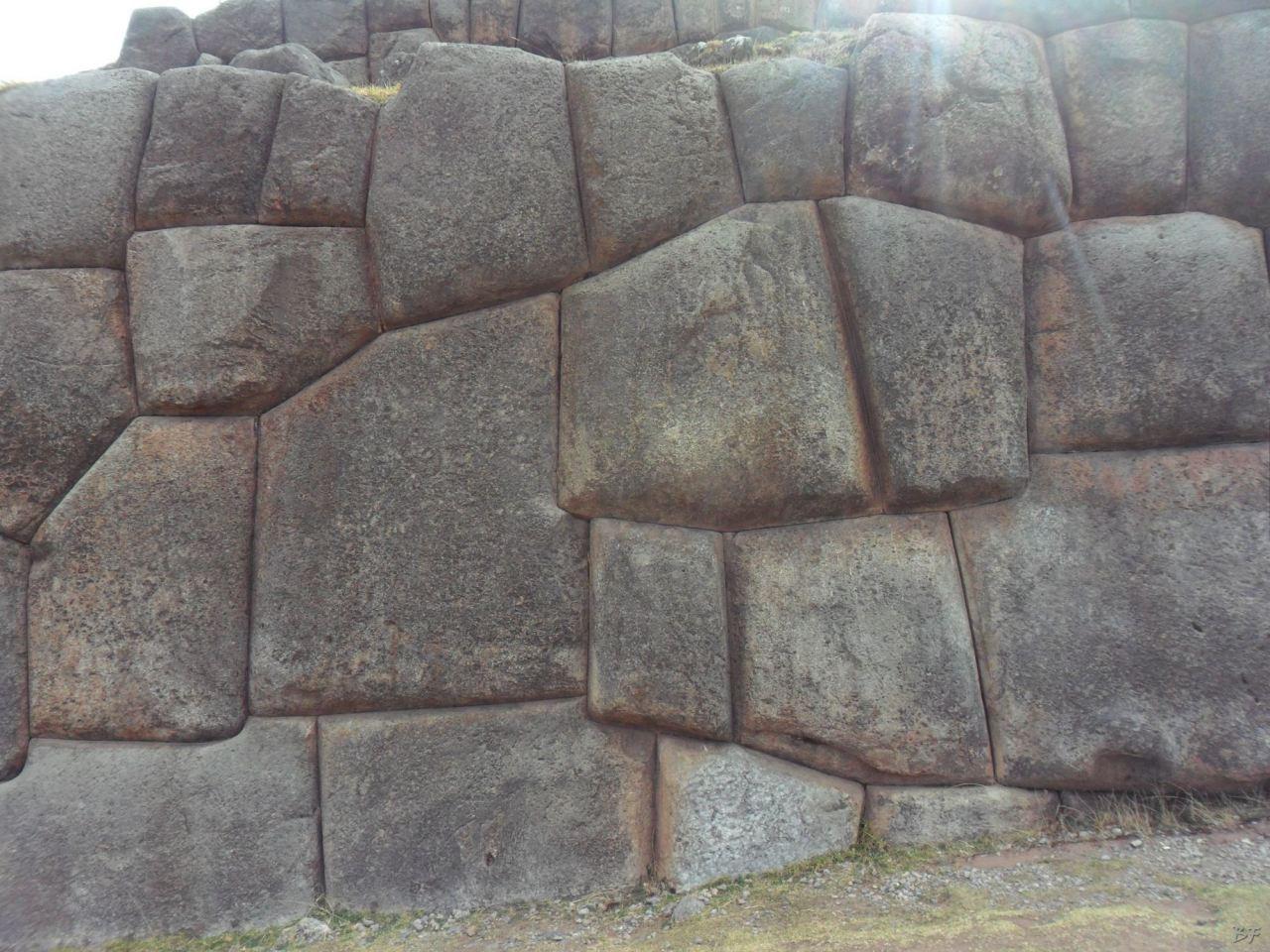 Sacsayhuamán-Mura-Megalitiche-Poligonali-Cusco-Peru-4