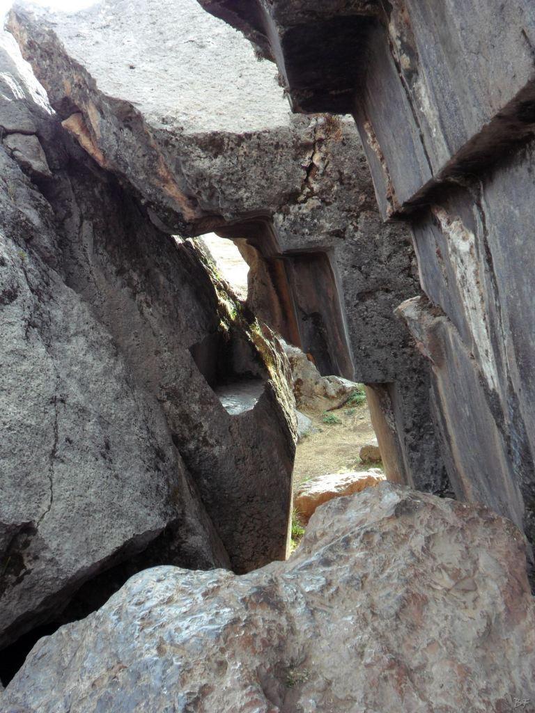 Sacsayhuamán-Mura-Megalitiche-Poligonali-Cusco-Peru-44