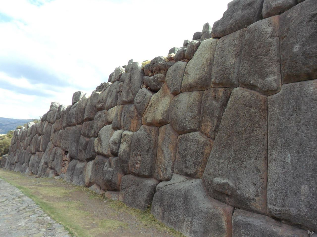 Sacsayhuamán-Mura-Megalitiche-Poligonali-Cusco-Peru-5