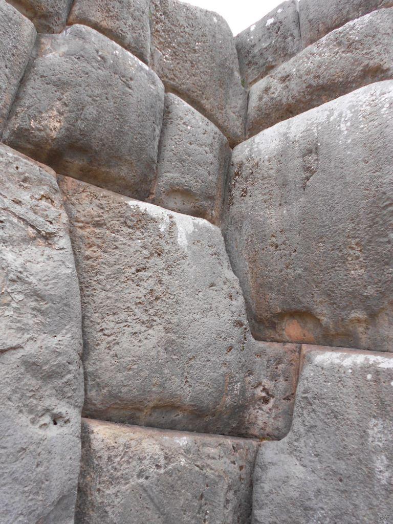 Sacsayhuamán-Mura-Megalitiche-Poligonali-Cusco-Peru-55