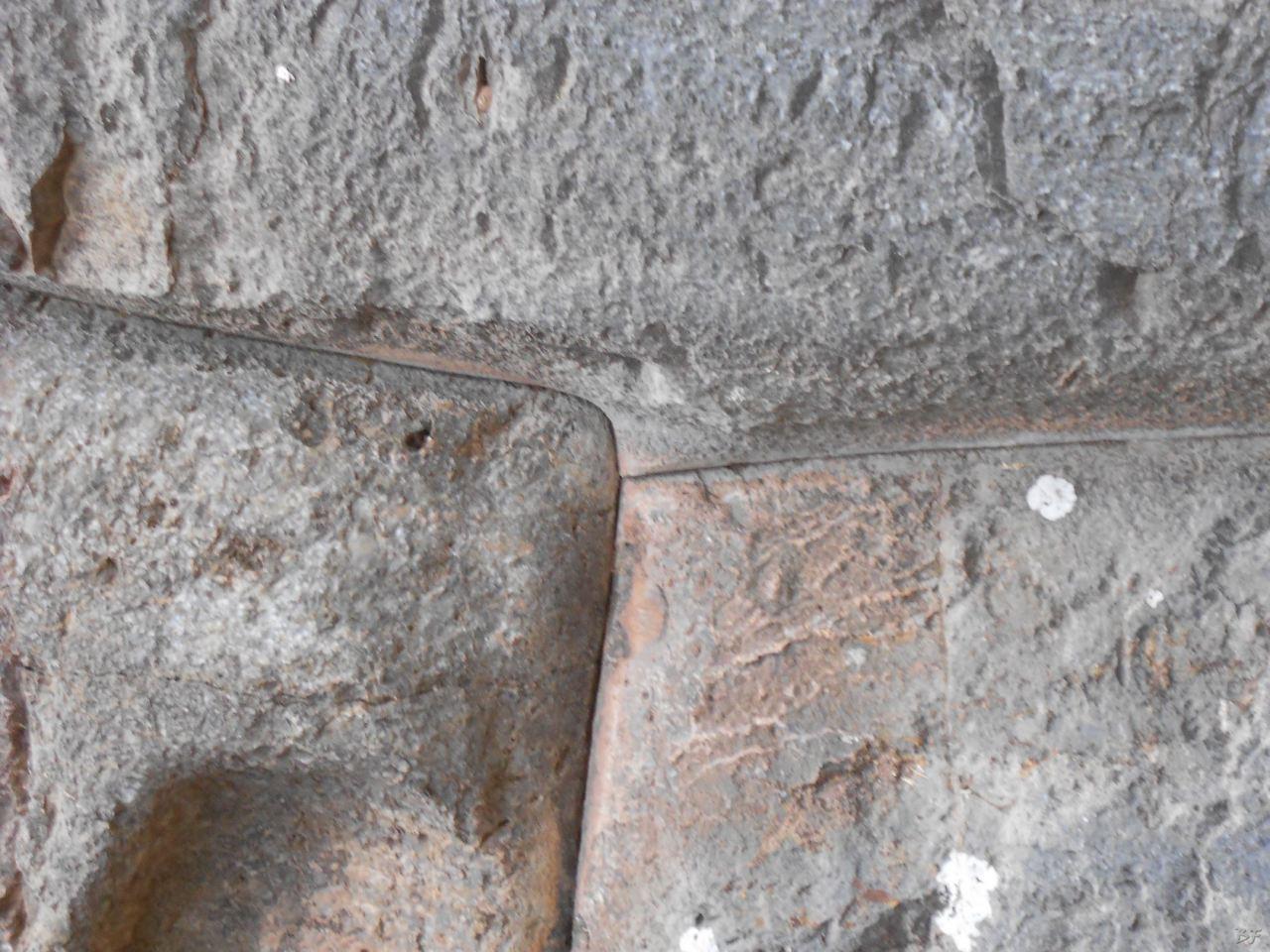 Sacsayhuamán-Mura-Megalitiche-Poligonali-Cusco-Peru-60