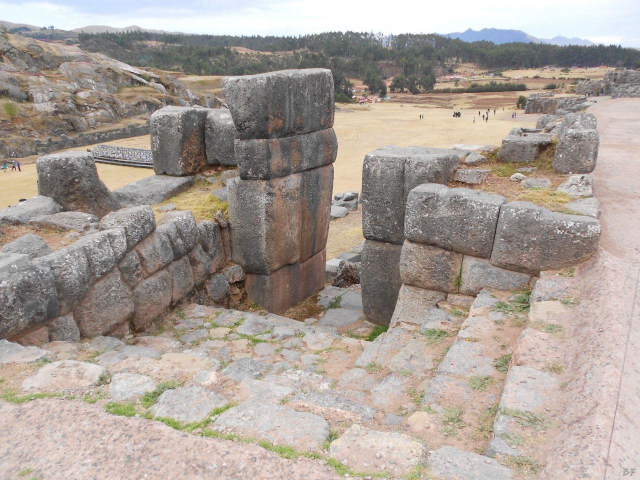 Sacsayhuamán-Mura-Megalitiche-Poligonali-Cusco-Peru-63