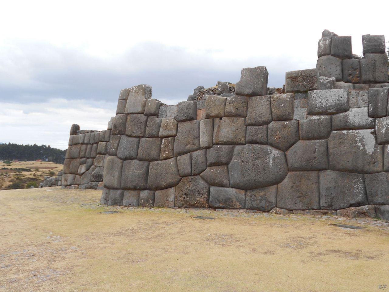 Sacsayhuamán-Mura-Megalitiche-Poligonali-Cusco-Peru-68