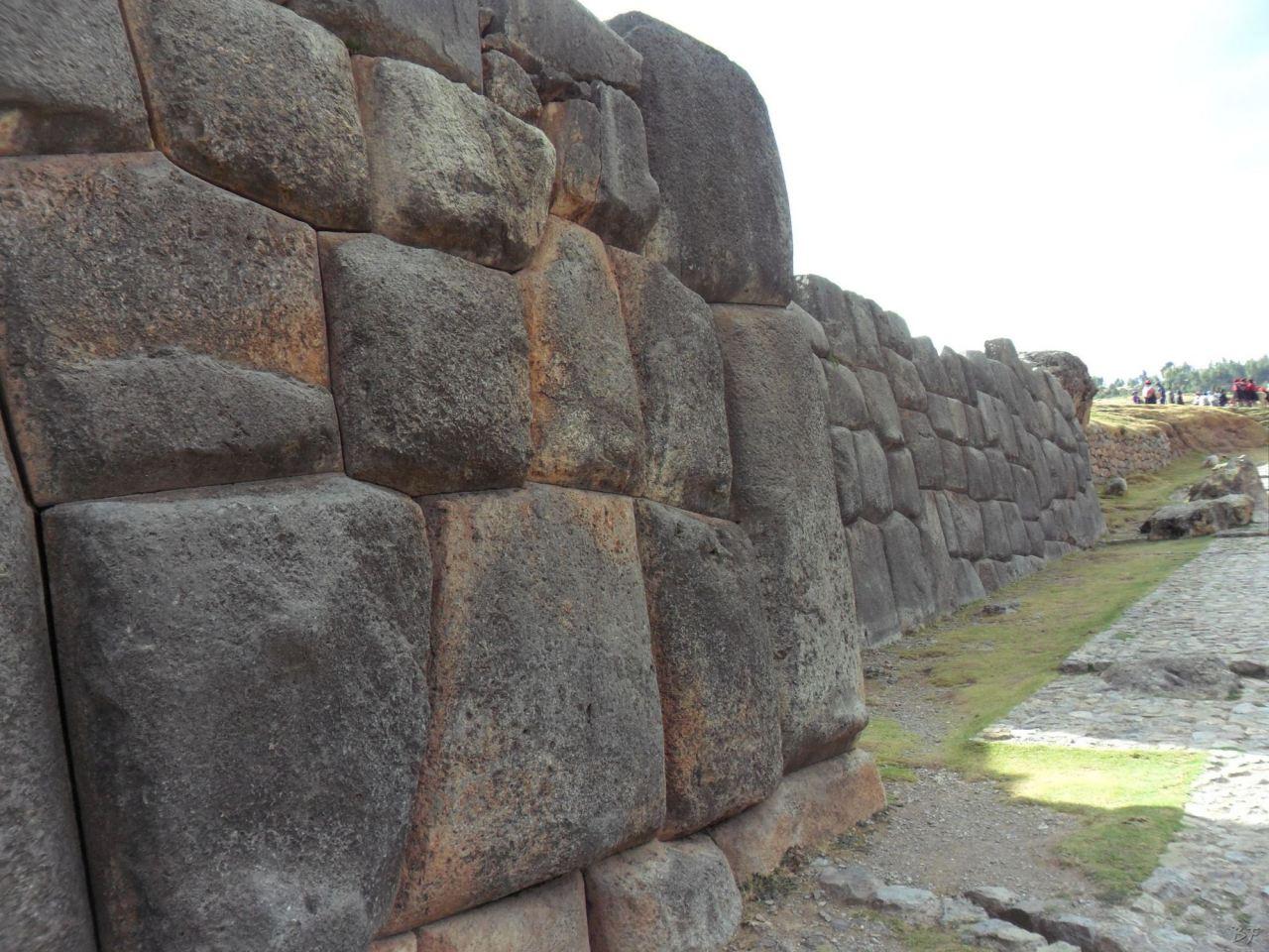 Sacsayhuamán-Mura-Megalitiche-Poligonali-Cusco-Peru-8