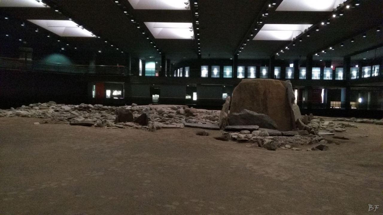 Area-Megalitica-Dolmen-Tumulo-Stele-Saint-Martin-de-Corleans-Valle-Aosta-Italia-10