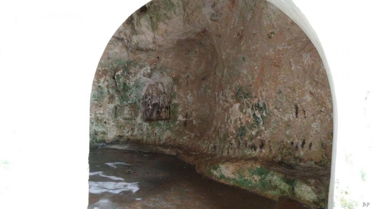 Chiesa-rupestre-San-Biagio-Ostuni-Brindisi-Salento-Puglia-Italia-5