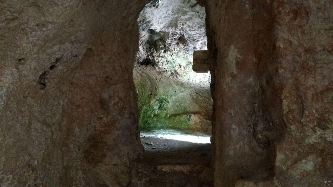 Chiesa-rupestre-San-Biagio-Ostuni-Brindisi-Salento-Puglia-Italia-7
