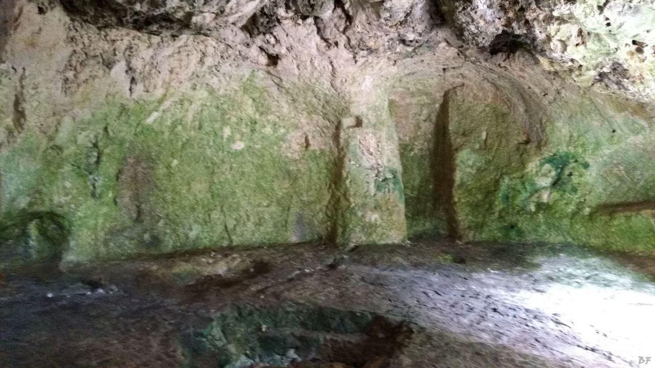 Chiesa-rupestre-San-Biagio-Ostuni-Brindisi-Salento-Puglia-Italia-8