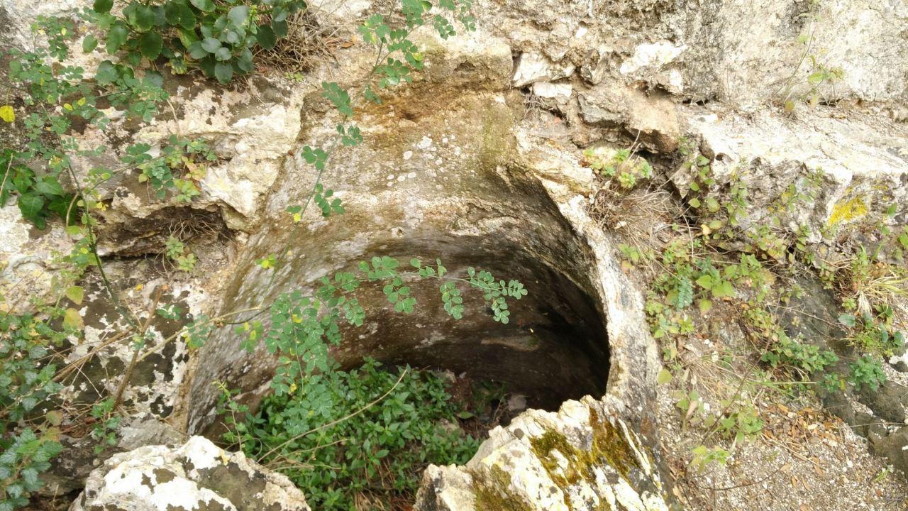 Chiesa-rupestre-San-Biagio-Ostuni-Brindisi-Salento-Puglia-Italia-9