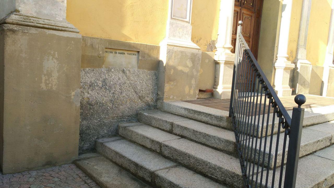Santa-Varena-Pietra-Guaritrice-Megalitica-Villa-del-Foro-Alessandria-Piemonte-Italia-2