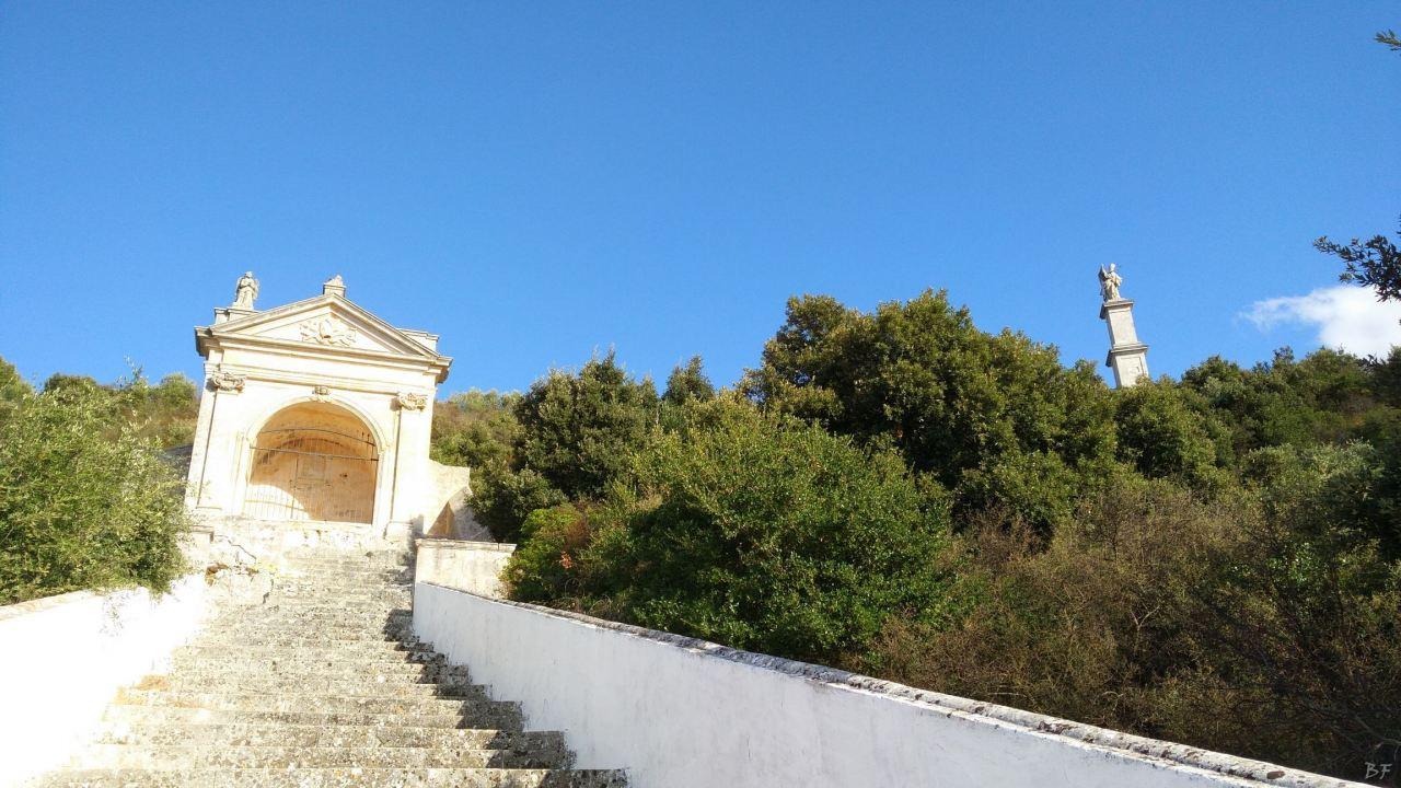 Chiesa-rupestre-fonte-miracolosa-SantOronzo-Ostuni-Brindisi-Puglia-Italia-4