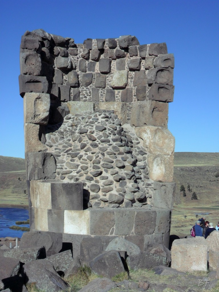 Torri-Poligonali-Megaliti-Sillustani-Puno-Perù-21