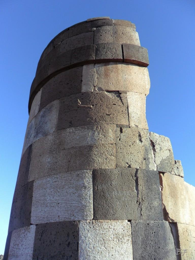 Torri-Poligonali-Megaliti-Sillustani-Puno-Perù-30