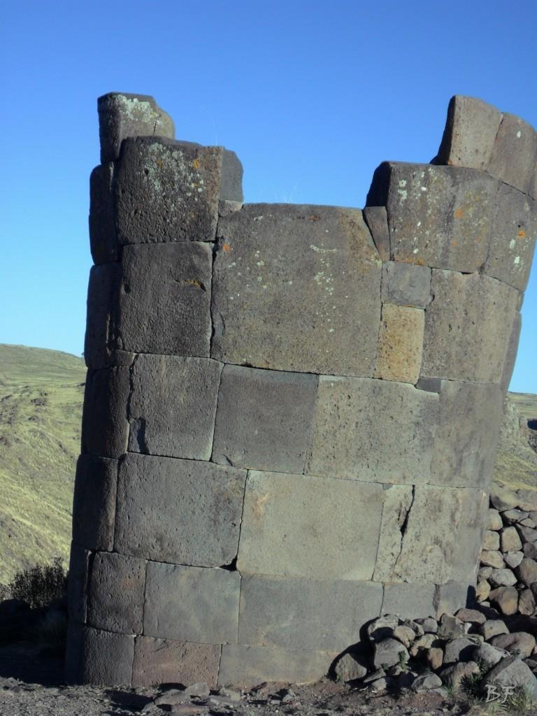 Torri-Poligonali-Megaliti-Sillustani-Puno-Perù-60