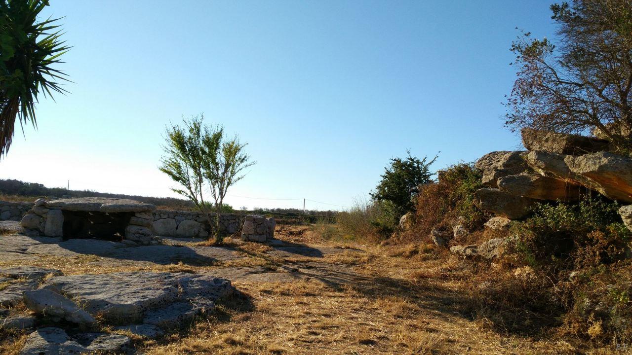 Dolmen-Stabile-Quattromacine-Giuggianello-Lecce-Salento-Puglia-Italia-6
