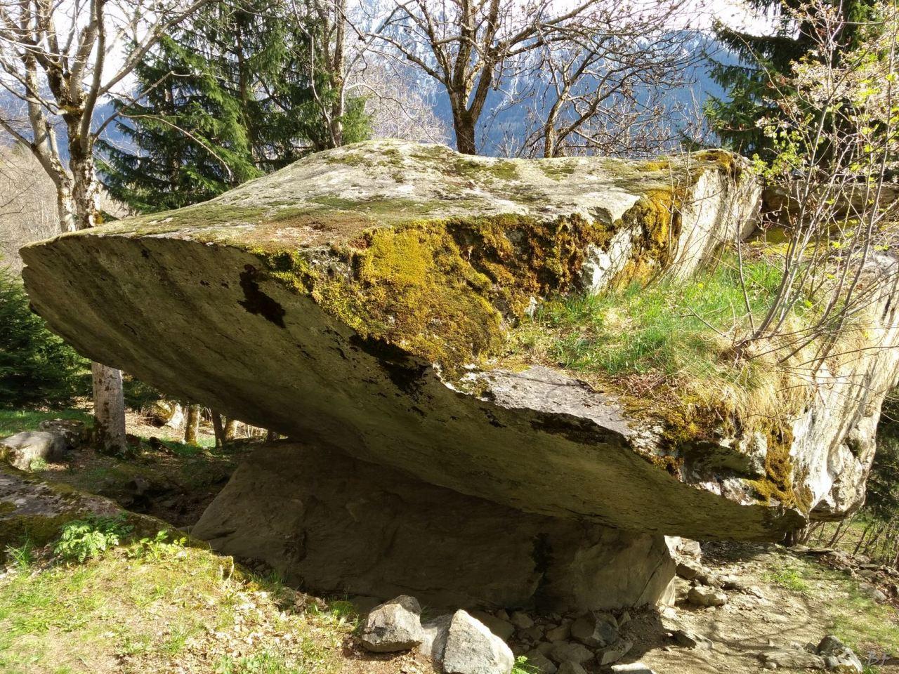 Pseudo-Dolmen-du-Thyl-Maurienne-Savoia-Francia-14