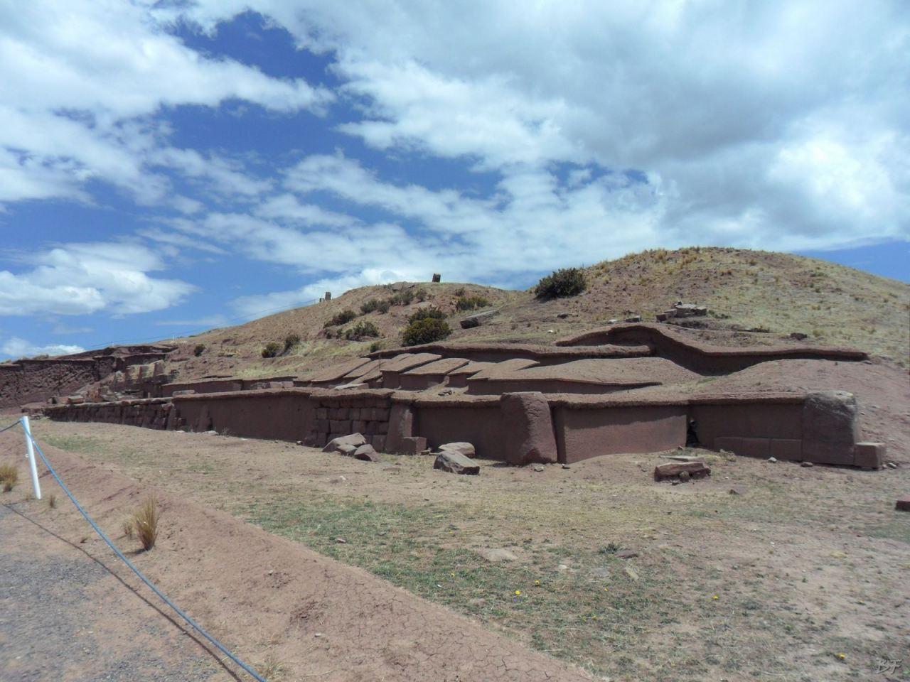 Sito-Megalitico-Piramide-Akapana-Kalasasaya-Menhir-Tiahuanaco-Bolivia-100
