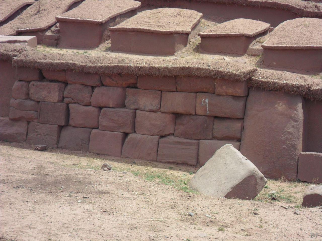 Sito-Megalitico-Piramide-Akapana-Kalasasaya-Menhir-Tiahuanaco-Bolivia-105