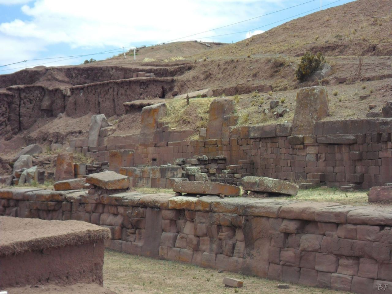 Sito-Megalitico-Piramide-Akapana-Kalasasaya-Menhir-Tiahuanaco-Bolivia-106