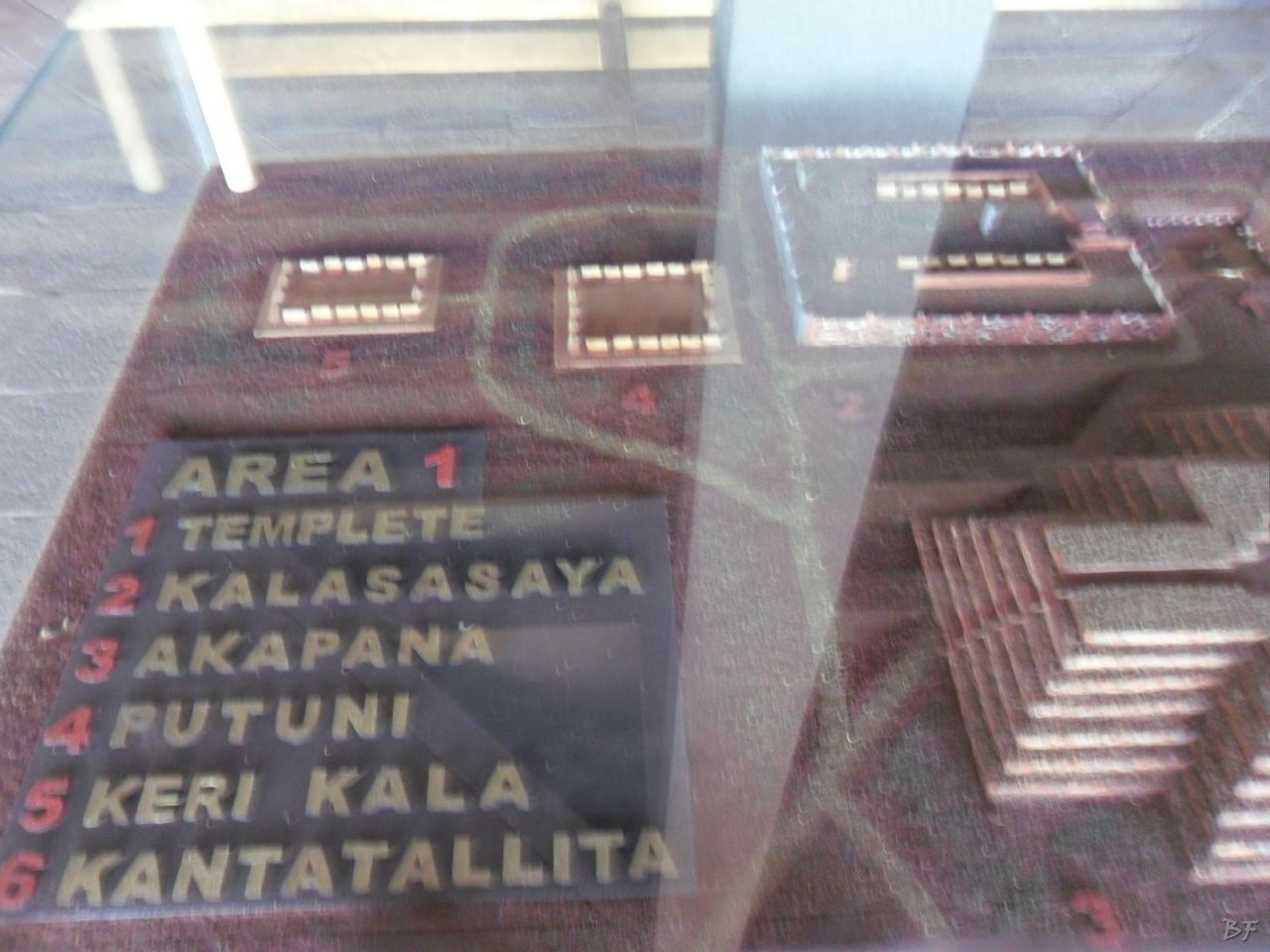 Sito-Megalitico-Piramide-Akapana-Kalasasaya-Menhir-Tiahuanaco-Bolivia-11
