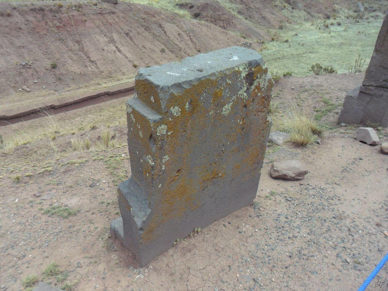 Sito-Megalitico-Piramide-Akapana-Kalasasaya-Menhir-Tiahuanaco-Bolivia-115
