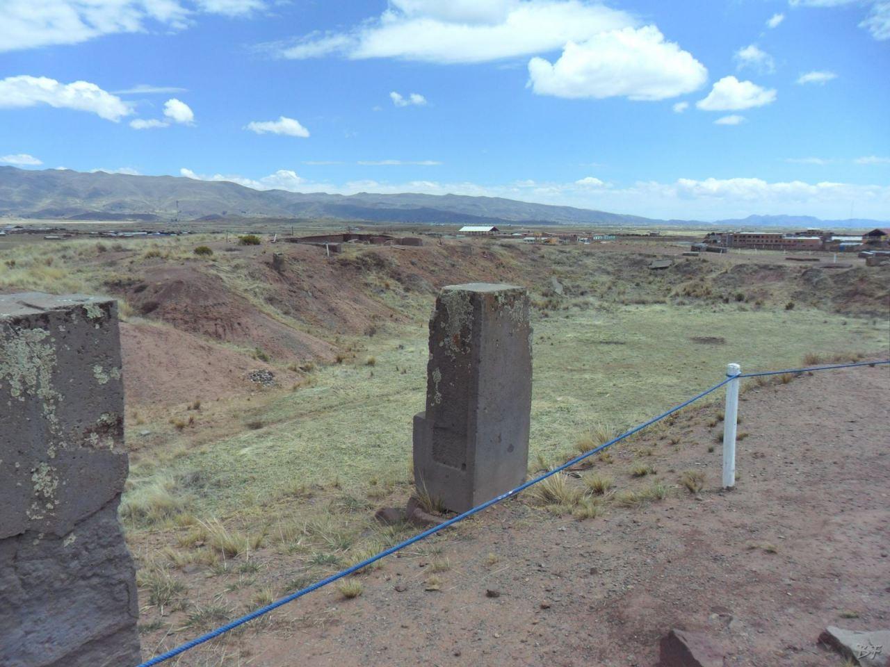 Sito-Megalitico-Piramide-Akapana-Kalasasaya-Menhir-Tiahuanaco-Bolivia-116