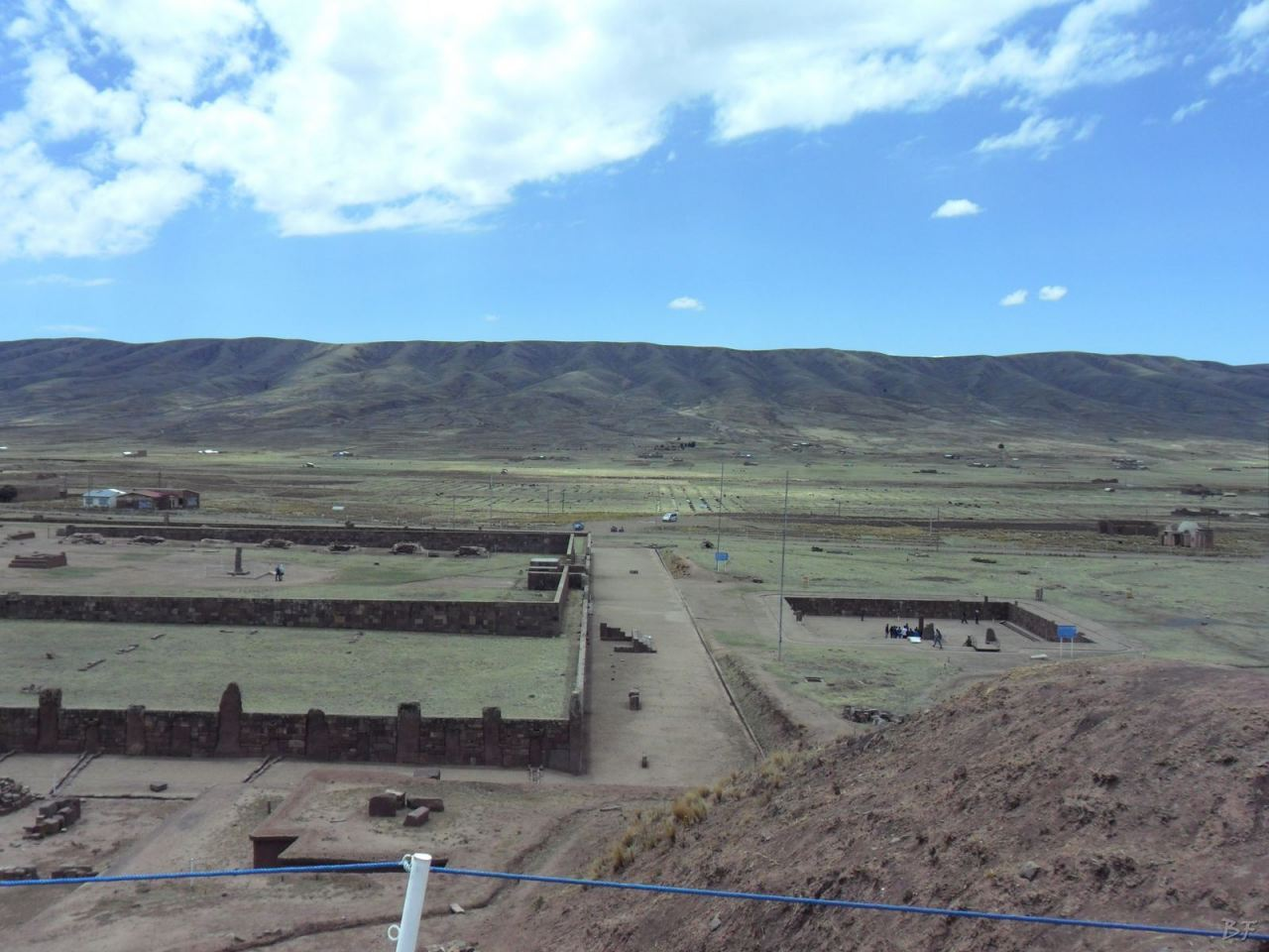 Sito-Megalitico-Piramide-Akapana-Kalasasaya-Menhir-Tiahuanaco-Bolivia-126