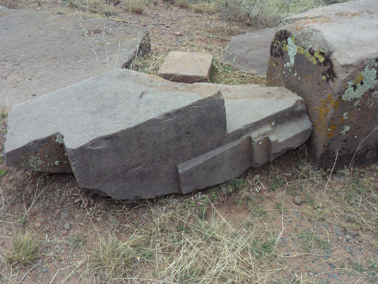 Sito-Megalitico-Piramide-Akapana-Kalasasaya-Menhir-Tiahuanaco-Bolivia-130