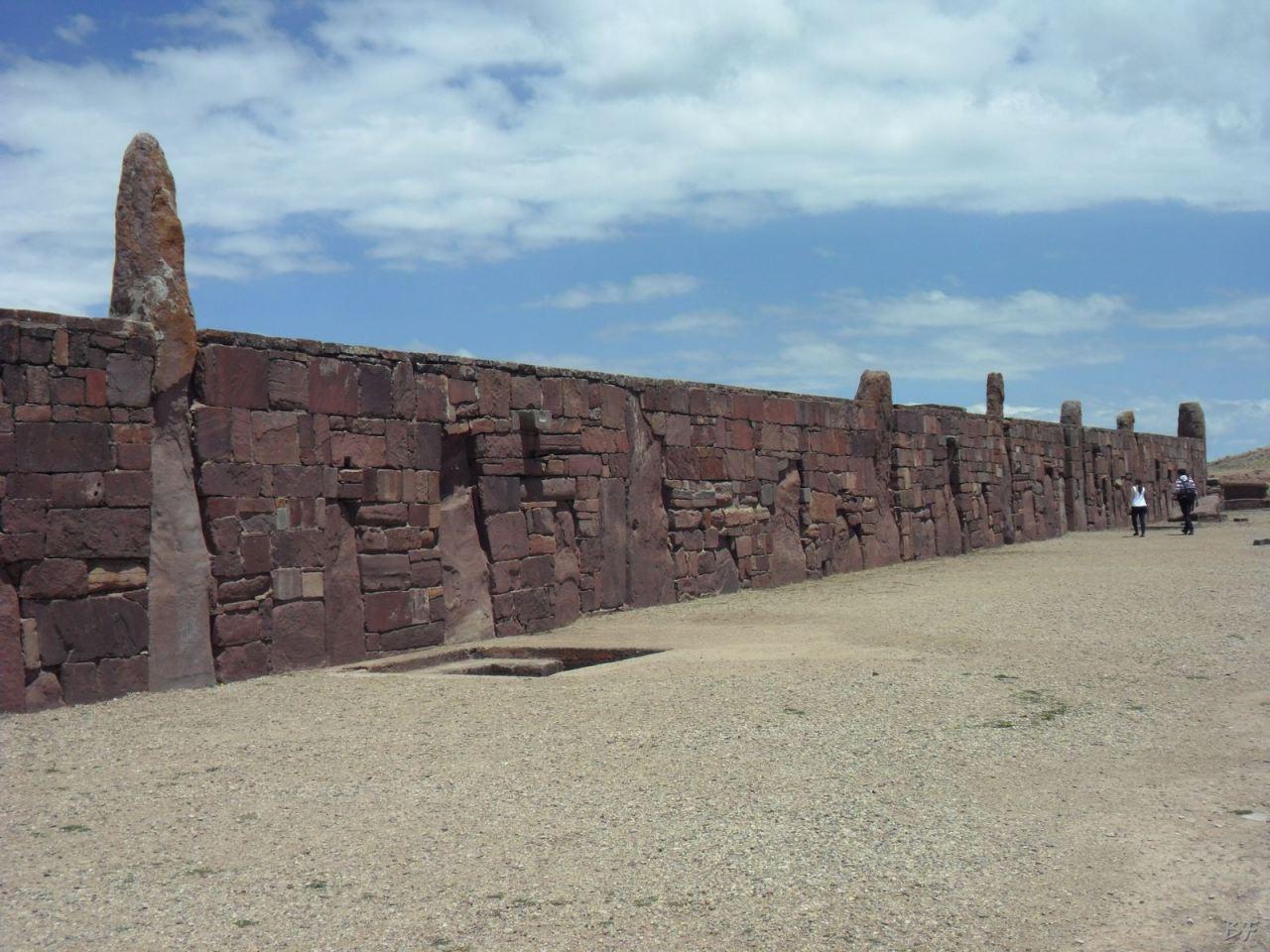 Sito-Megalitico-Piramide-Akapana-Kalasasaya-Menhir-Tiahuanaco-Bolivia-18