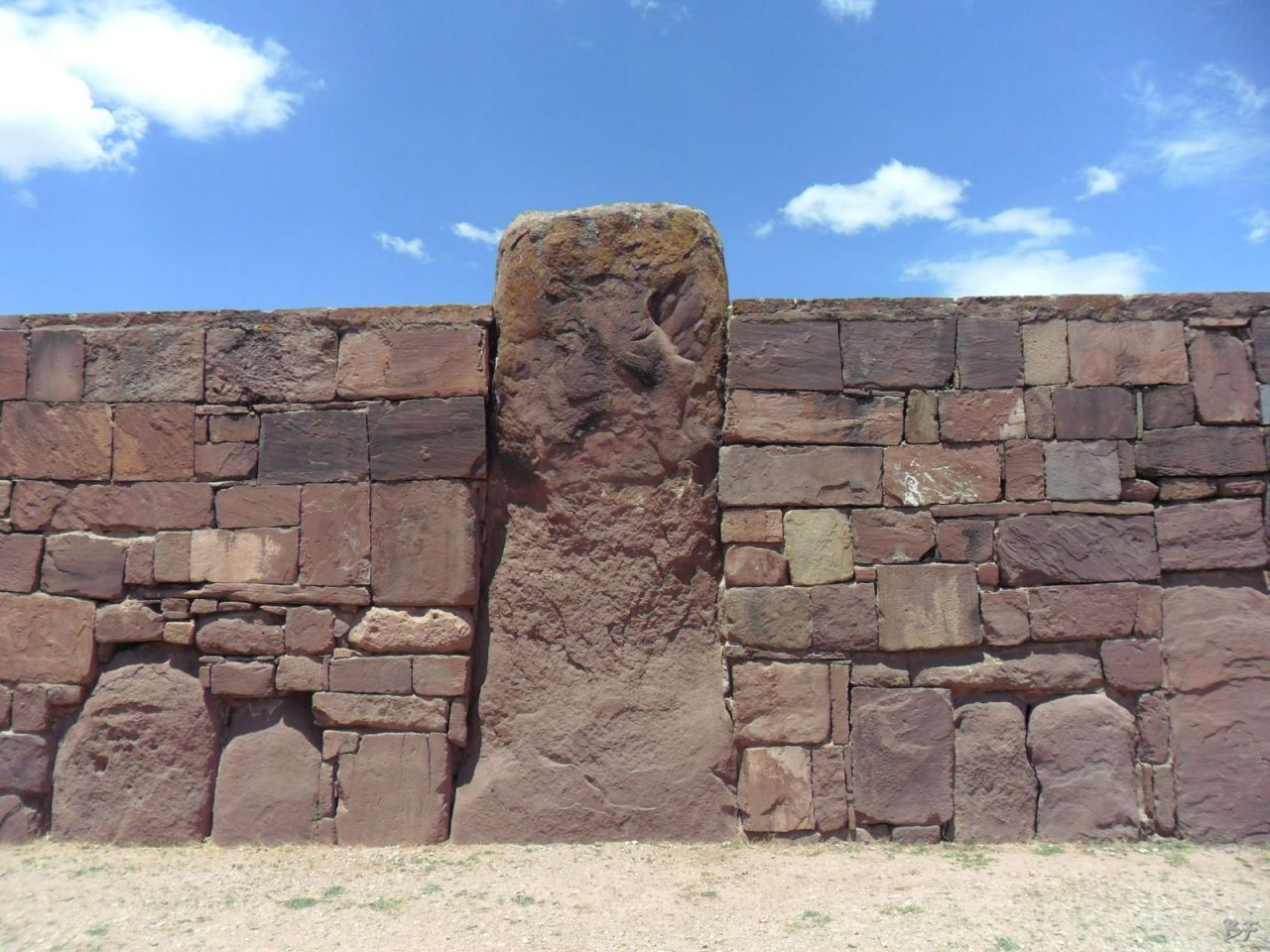 Sito-Megalitico-Piramide-Akapana-Kalasasaya-Menhir-Tiahuanaco-Bolivia-19
