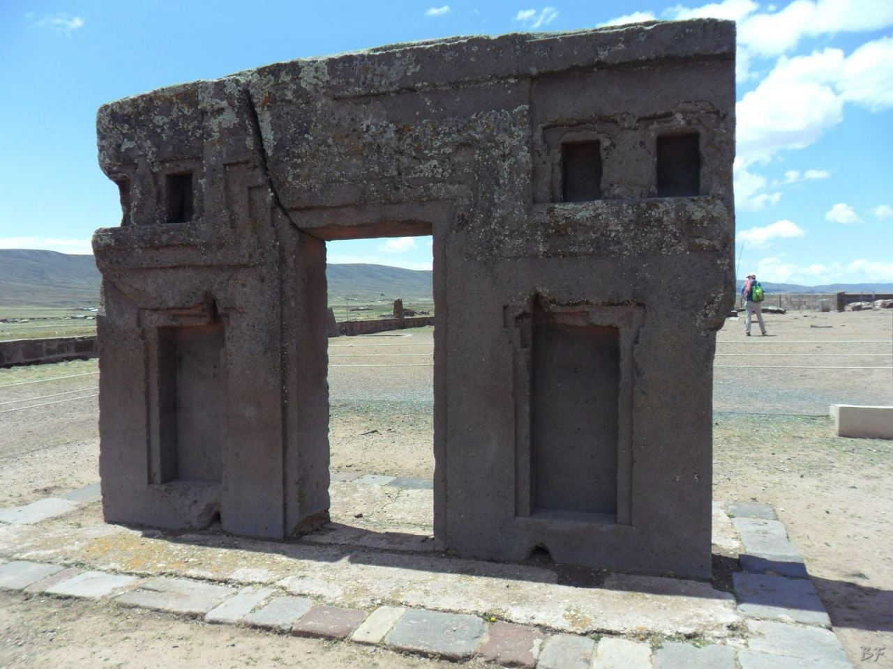 Sito-Megalitico-Piramide-Akapana-Kalasasaya-Menhir-Tiahuanaco-Bolivia-21