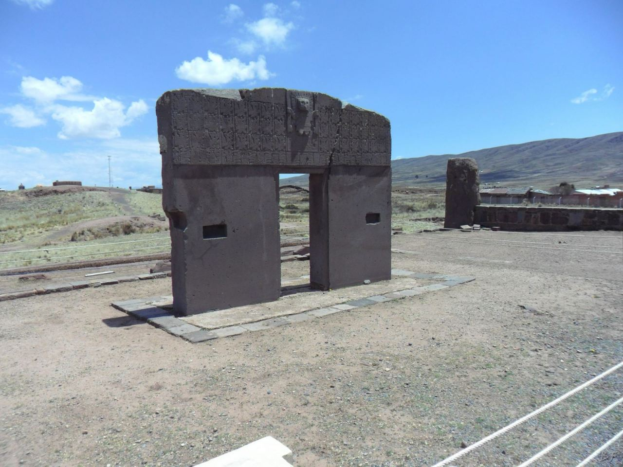Sito-Megalitico-Piramide-Akapana-Kalasasaya-Menhir-Tiahuanaco-Bolivia-23