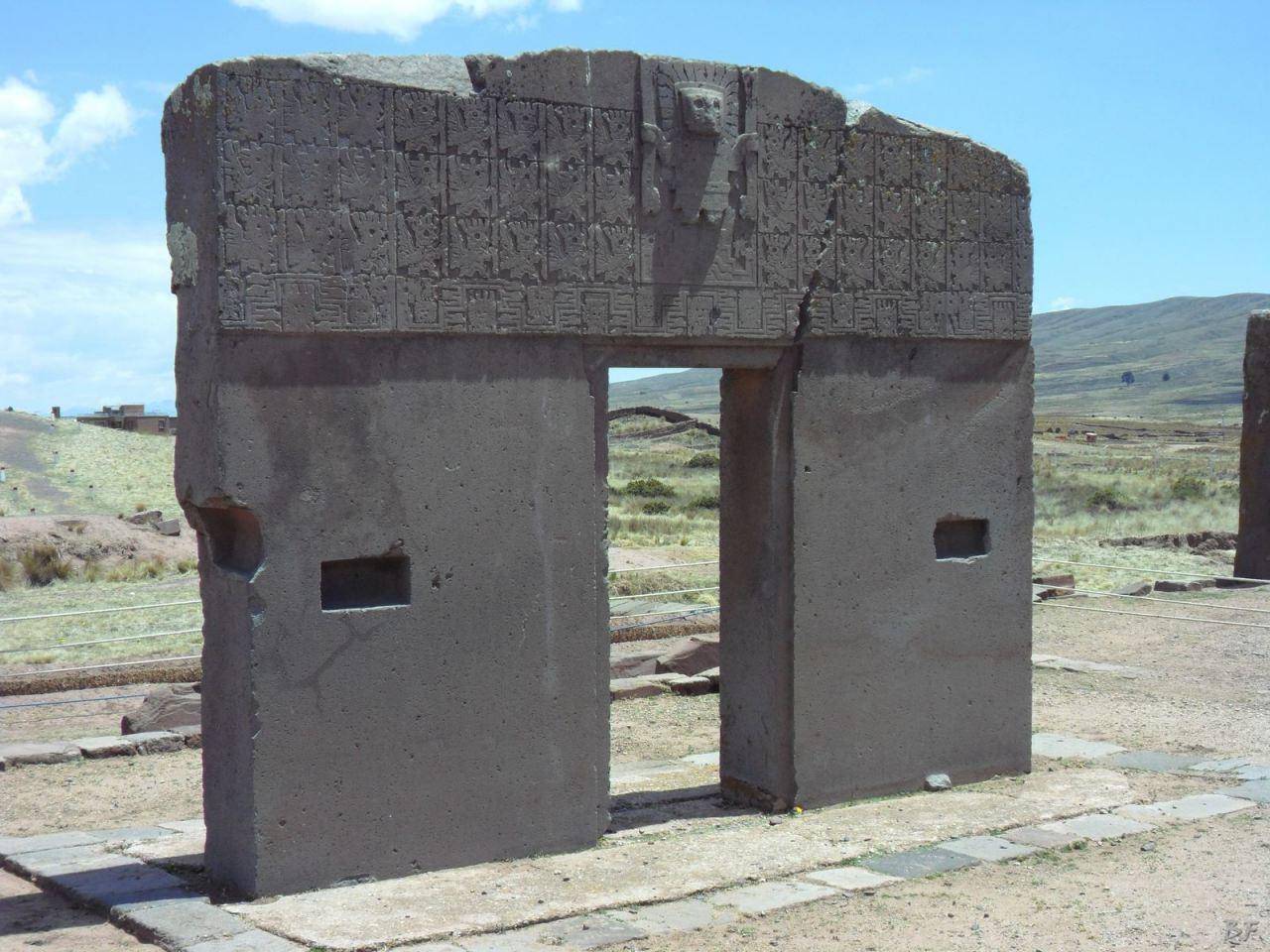 Sito-Megalitico-Piramide-Akapana-Kalasasaya-Menhir-Tiahuanaco-Bolivia-25