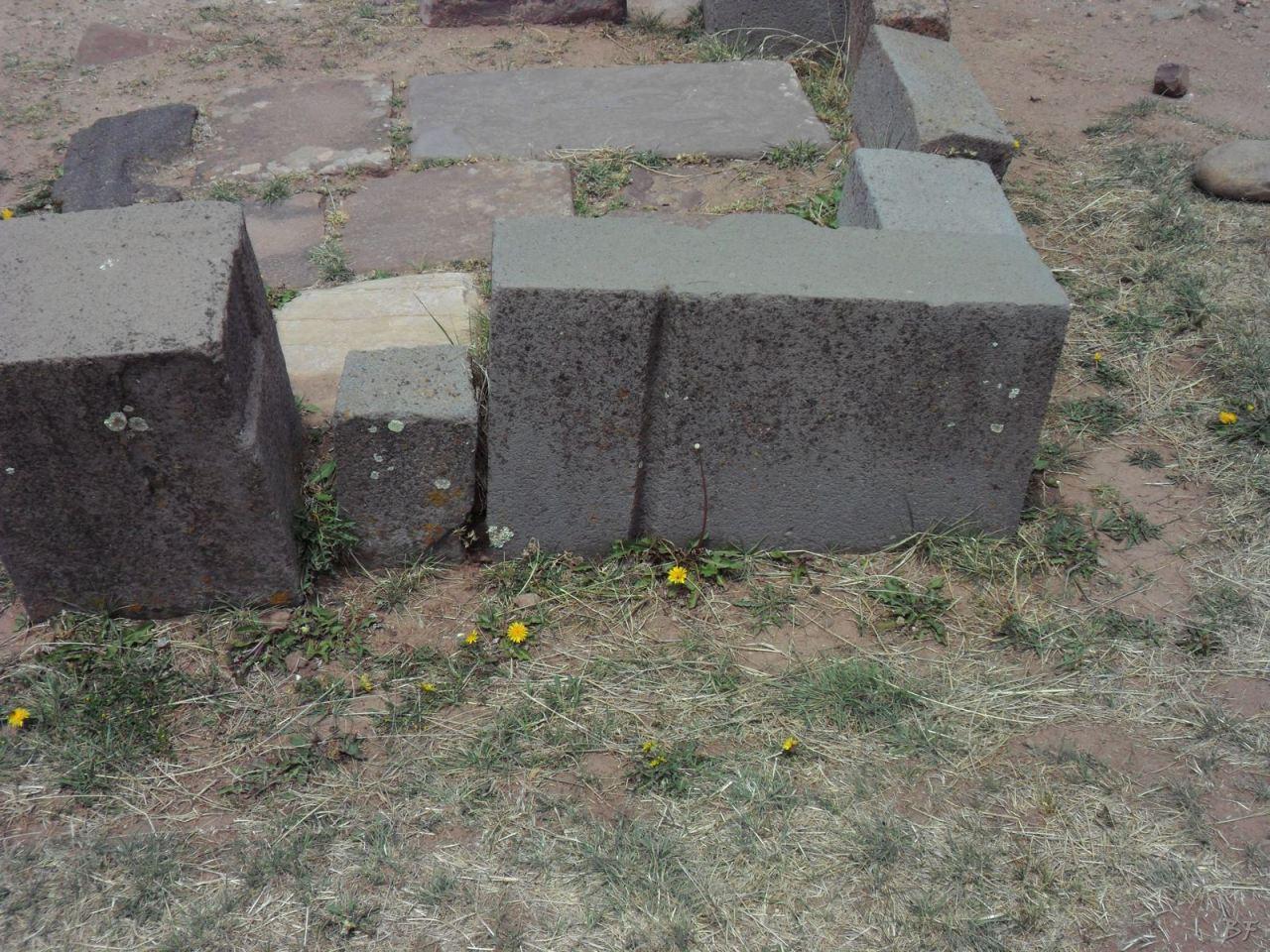 Sito-Megalitico-Piramide-Akapana-Kalasasaya-Menhir-Tiahuanaco-Bolivia-28