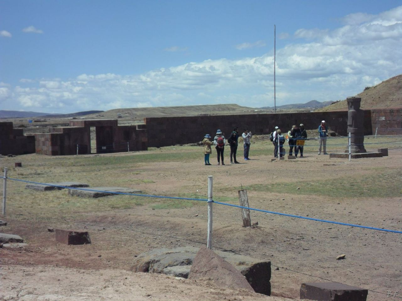 Sito-Megalitico-Piramide-Akapana-Kalasasaya-Menhir-Tiahuanaco-Bolivia-32