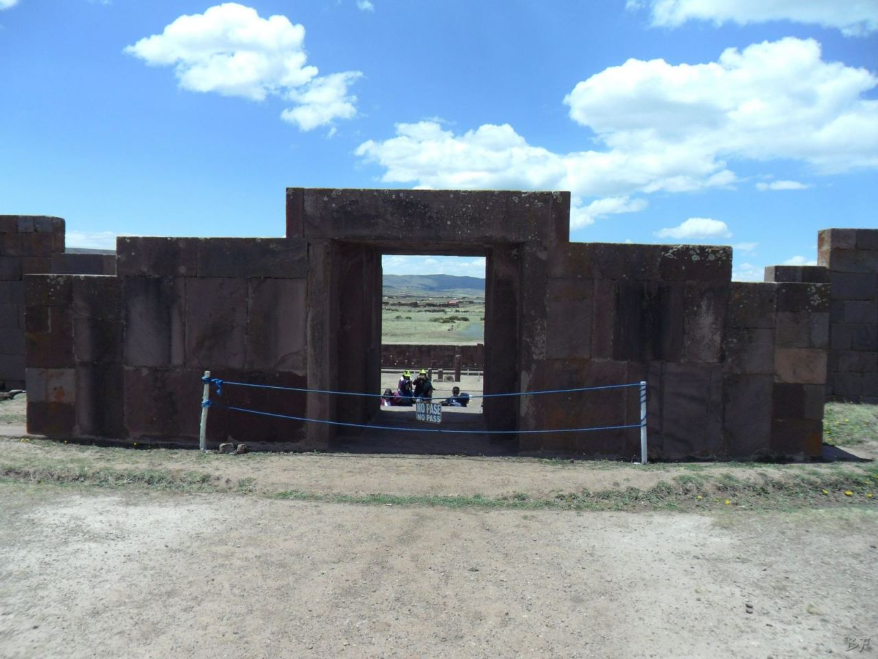 Sito-Megalitico-Piramide-Akapana-Kalasasaya-Menhir-Tiahuanaco-Bolivia-42