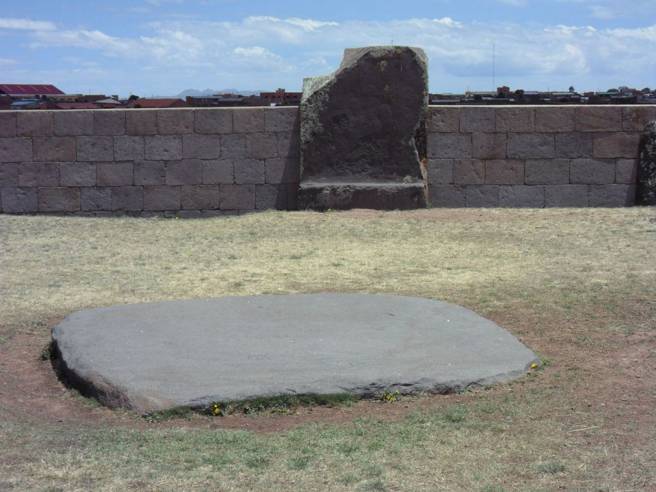 Sito-Megalitico-Piramide-Akapana-Kalasasaya-Menhir-Tiahuanaco-Bolivia-49
