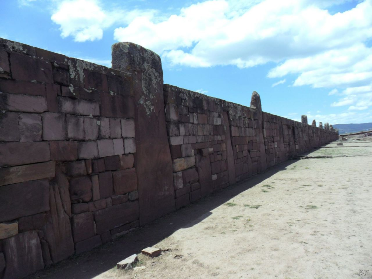 Sito-Megalitico-Piramide-Akapana-Kalasasaya-Menhir-Tiahuanaco-Bolivia-61