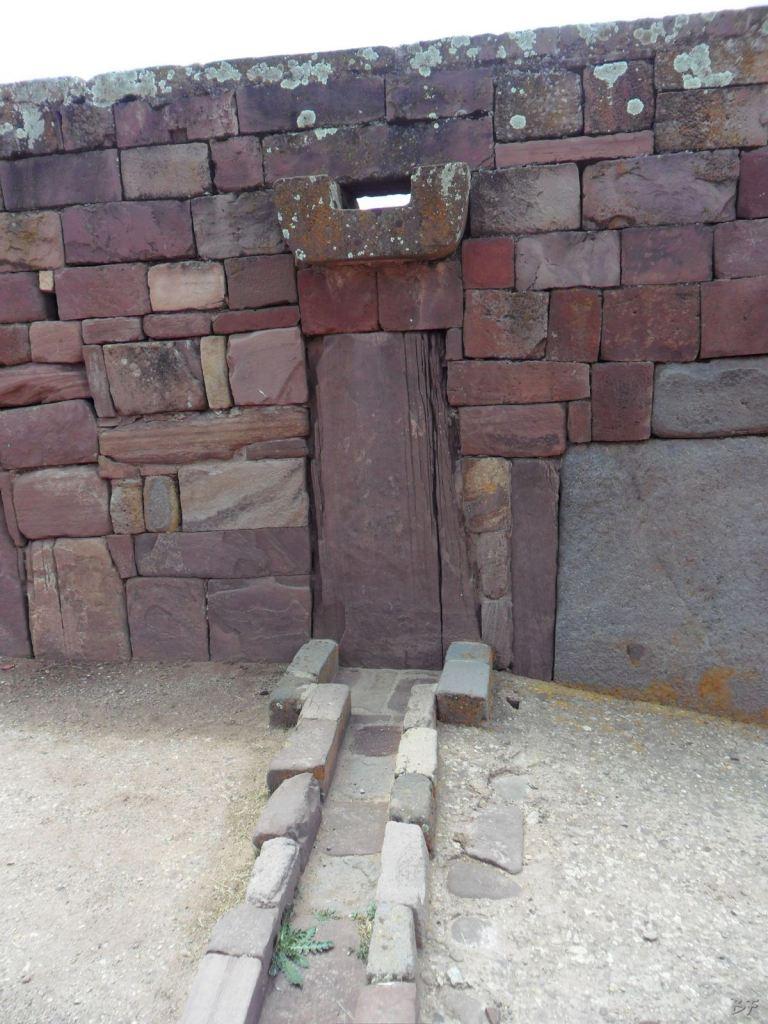 Sito-Megalitico-Piramide-Akapana-Kalasasaya-Menhir-Tiahuanaco-Bolivia-65