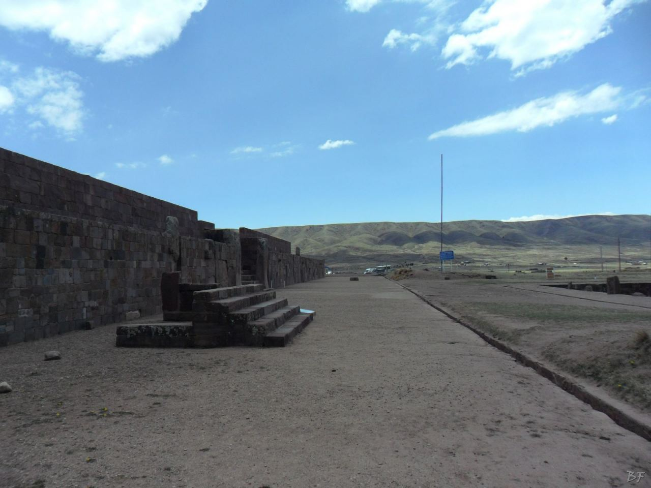 Sito-Megalitico-Piramide-Akapana-Kalasasaya-Menhir-Tiahuanaco-Bolivia-68