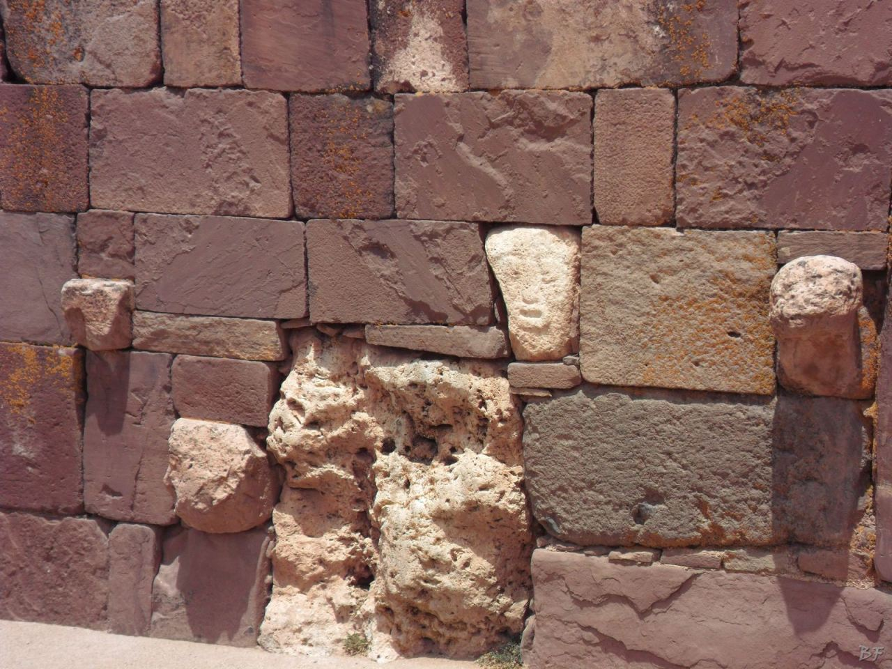 Sito-Megalitico-Piramide-Akapana-Kalasasaya-Menhir-Tiahuanaco-Bolivia-86