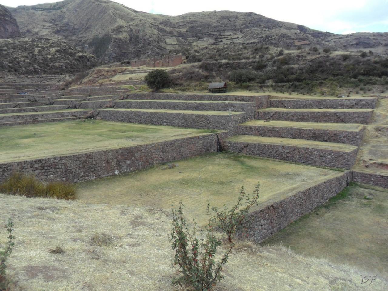 Mura-Poligonali-Megaliti-Tipon-Oropesa-Cusco-Perù-15
