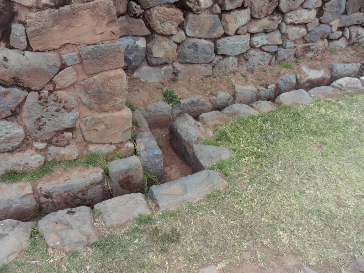 Mura-Poligonali-Megaliti-Tipon-Oropesa-Cusco-Perù-2