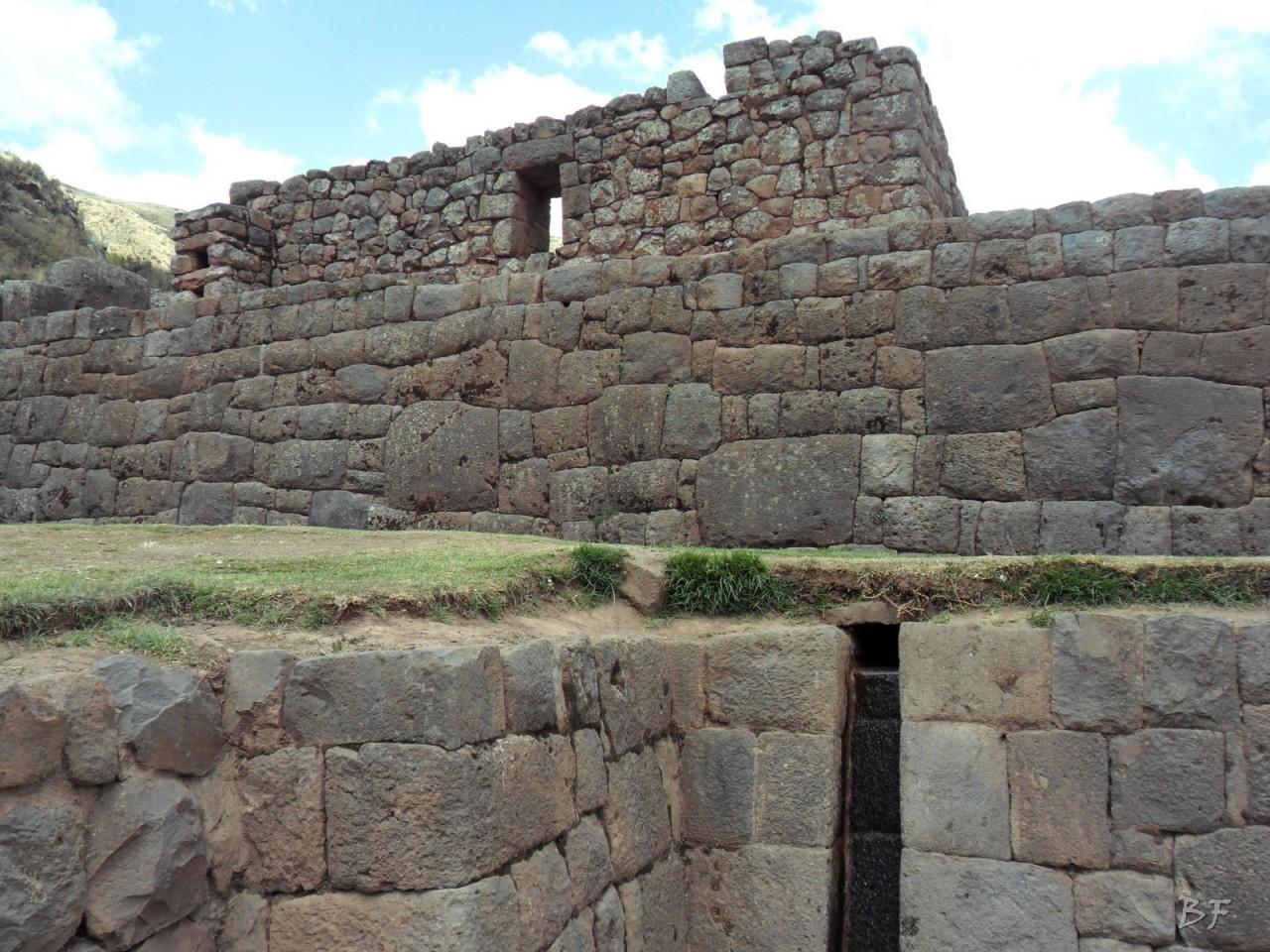 Mura-Poligonali-Megaliti-Tipon-Oropesa-Cusco-Perù-28