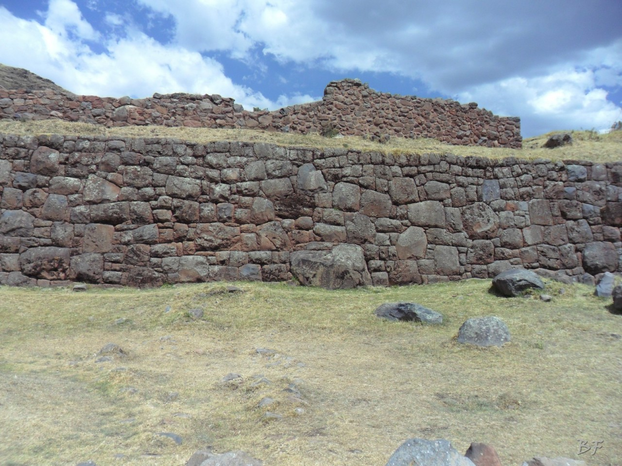 Mura-Poligonali-Megaliti-Tipon-Oropesa-Cusco-Perù-31