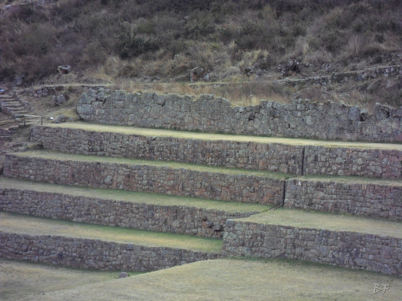 Mura-Poligonali-Megaliti-Tipon-Oropesa-Cusco-Perù-44