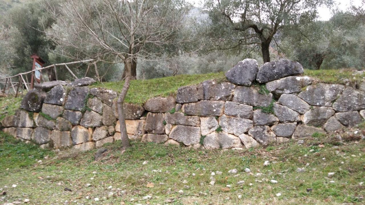 Venafro-Mura-Megalitiche-Poligonali-Isernia-Molise-6