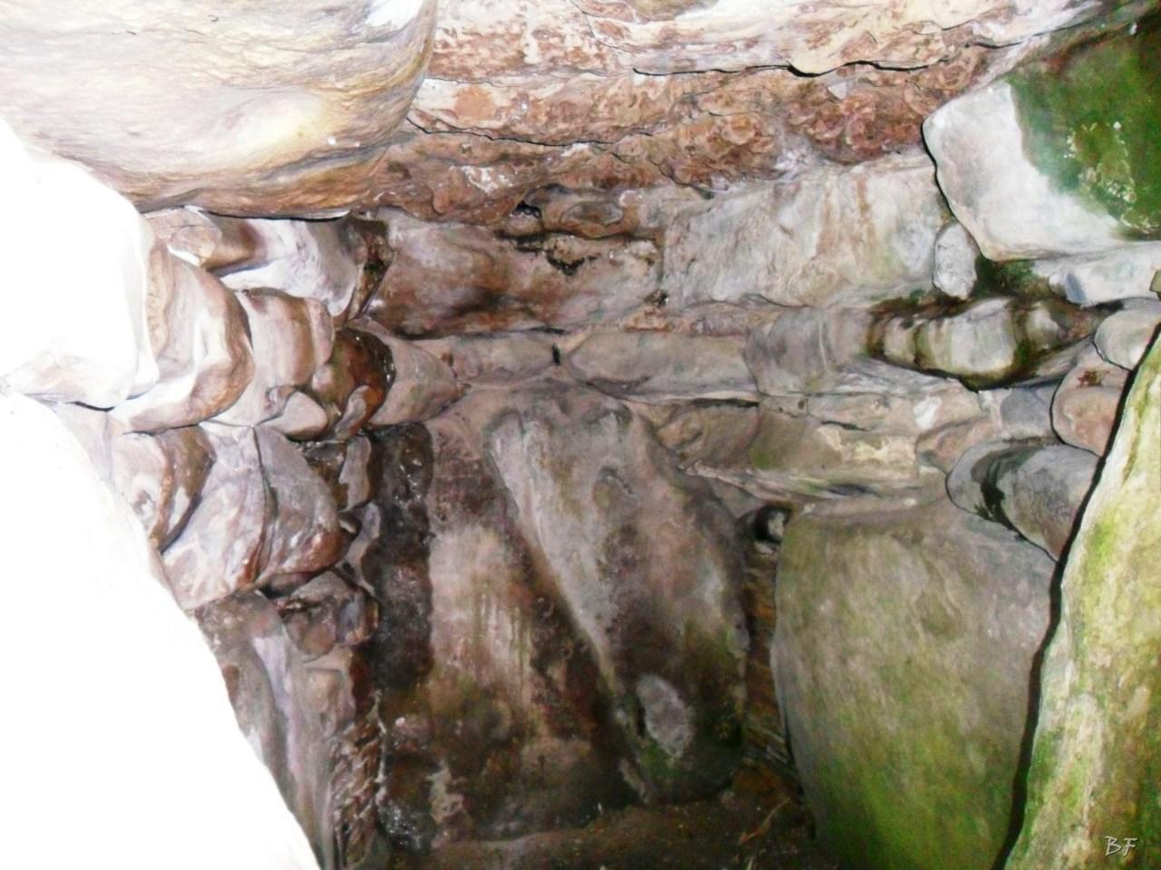 West-Kennet-Long-Barrow-Silbury-Hill-Tumulo-Dolmen-Megaliti-Avebury-Wiltshire-Inghilterra-Gran-Bretagna-2